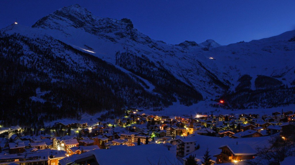saas-fee-winter-night