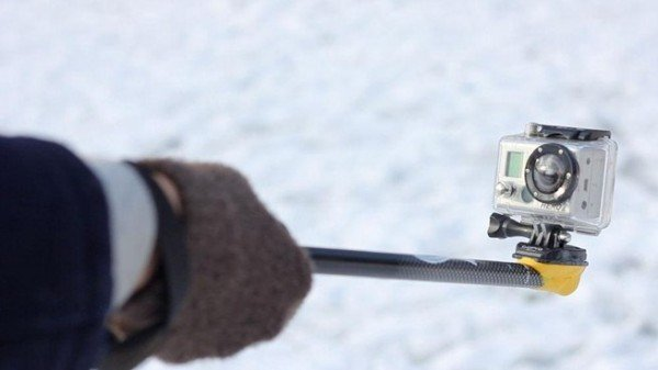 make-your-own-gopro-camera-pole-mount-aka-gopole-using-sugru-and-stick.w654