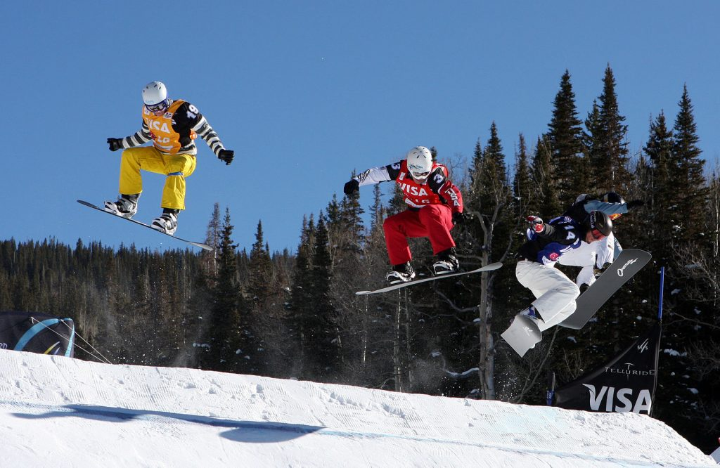 Image Source https://commons.wikimedia.org/wiki/File:LG_Snowboard_FIS_World_Cup_(5435927806).jpg